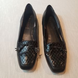 Enzo Angiolini 12M blk leather loafers w/ tassels